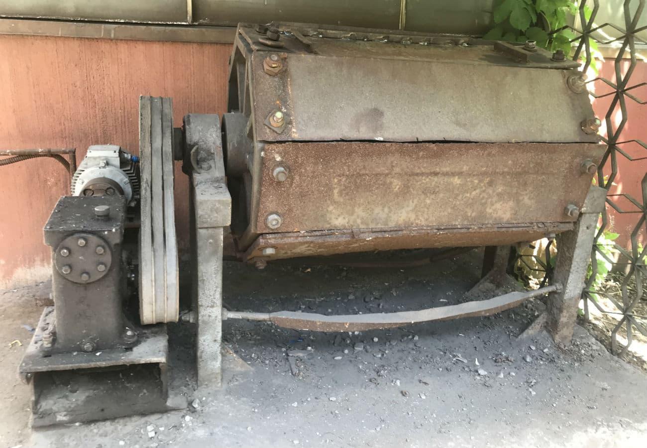 Галтовочный барабан для очистки мелкого и среднего литья