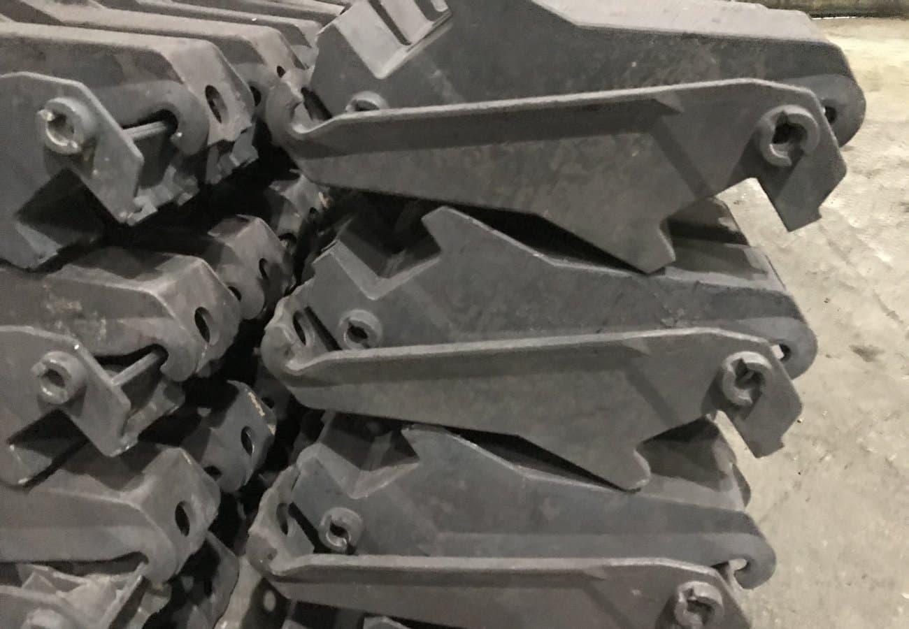 Кронштейн из стали СТ35Л настенный
