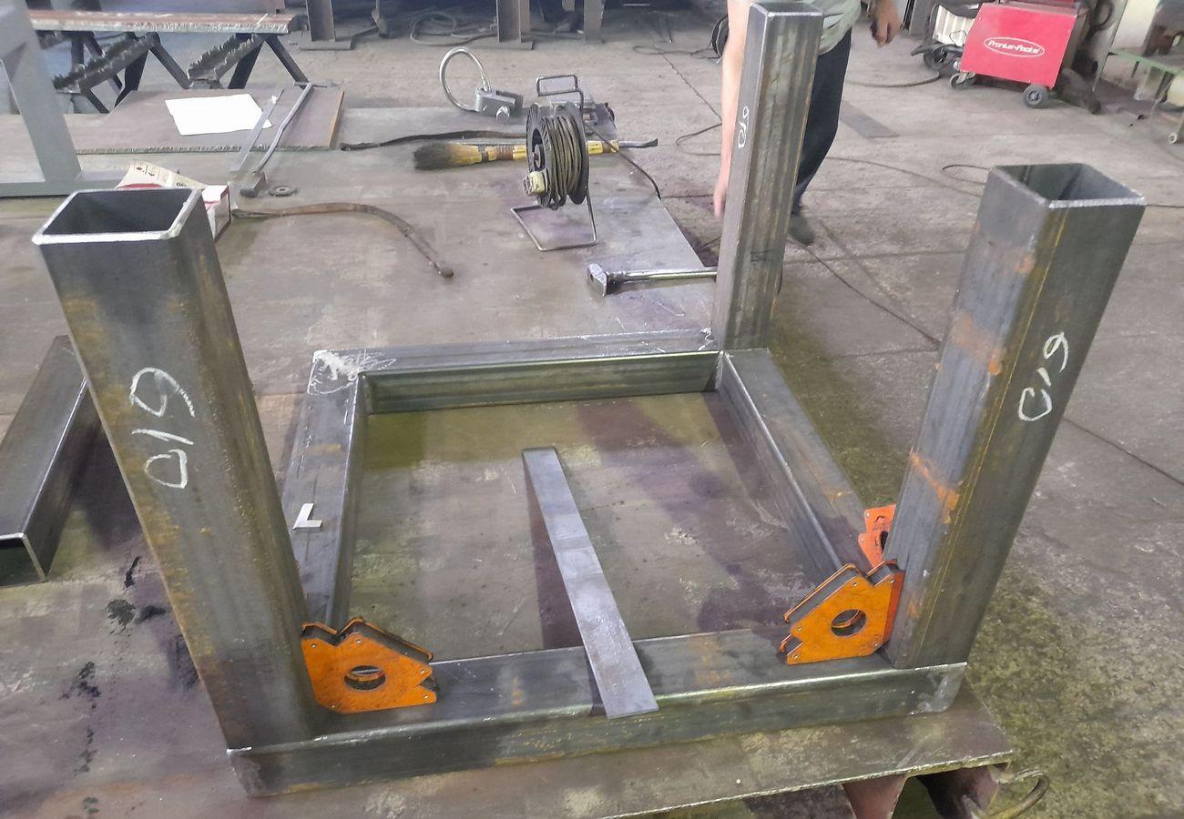 Изготовление металлических стоек с применением сварочных технологий