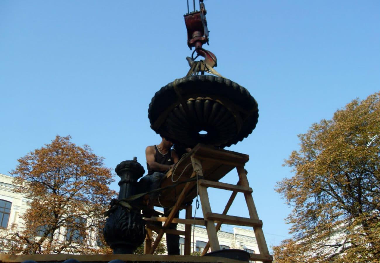 Парковое литье фонтана из чугуна и бронзы