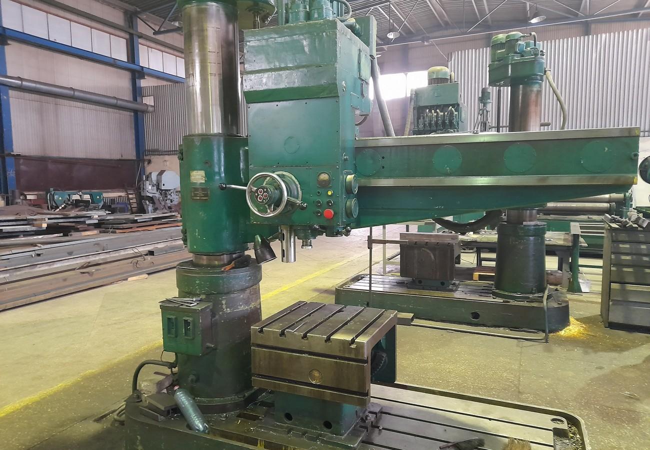 Верстати для здійснення свердлильних робіт з різними видами сталевого металопрокату