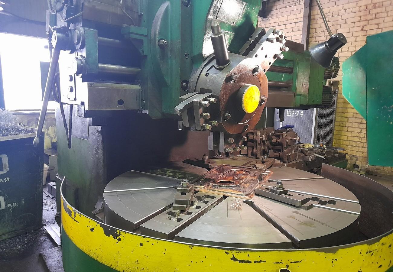 Токарно-карусельный станок позволяет проводить работы с точностью 0,05 мм
