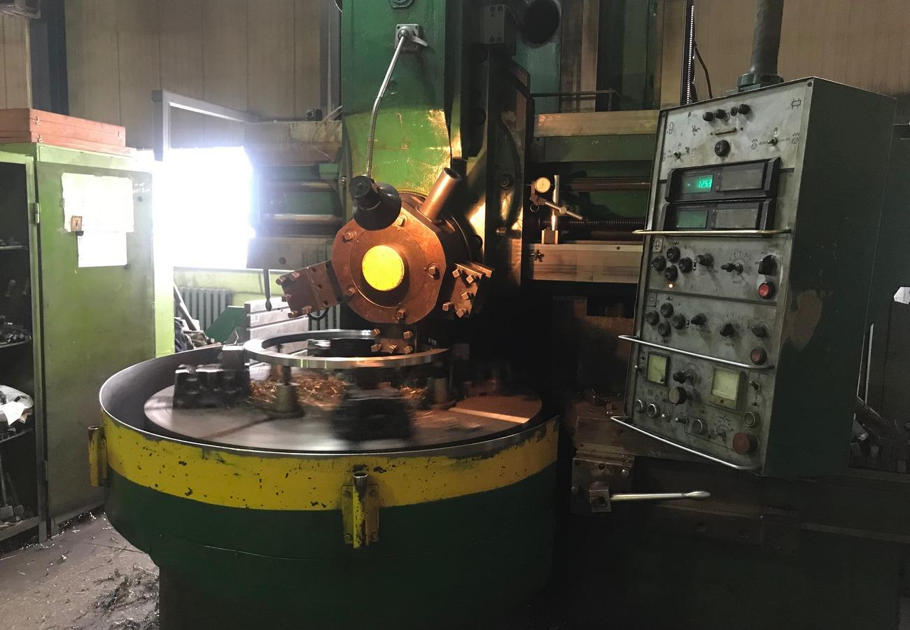 Механічна обробка заготовок з чорних і кольорових металів на токарно-карусельному верстаті