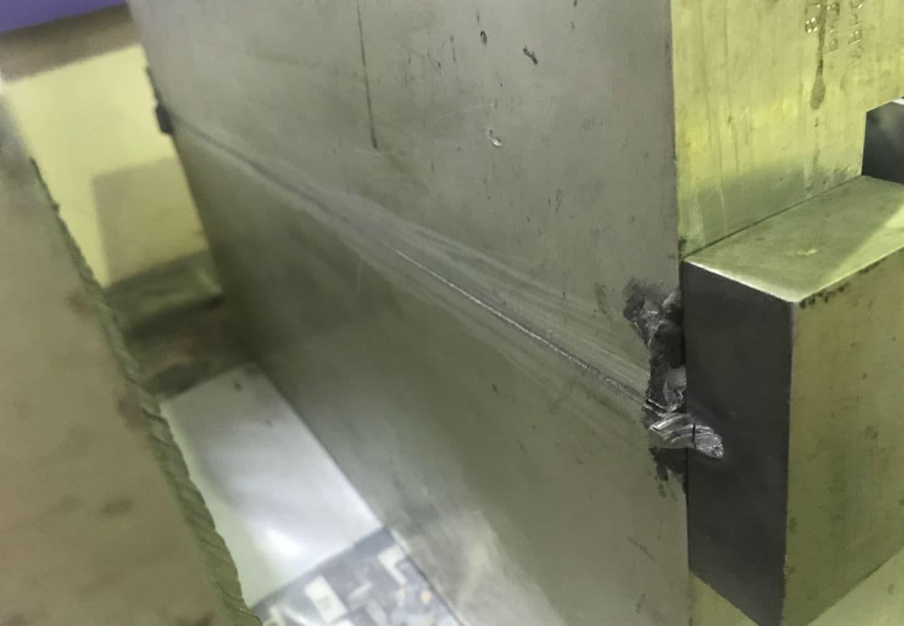 Зварювання алюмінію завтовшки100 мм прорізним швом