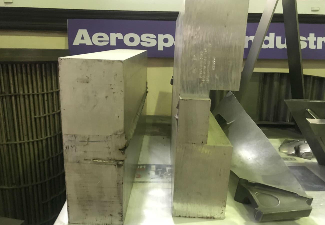 Зварювання алюмінію завтовшки 100 мм прорізним швом на Дослідному заводі спецелектрометалургії в Києві