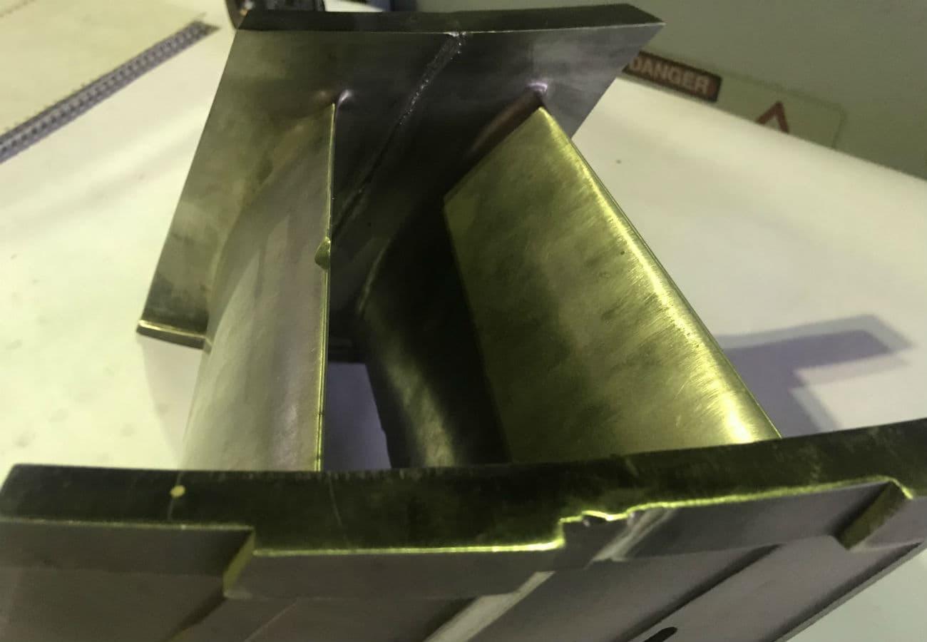 Електронно-променеве зварювання лопаткі турбіни зі сталі